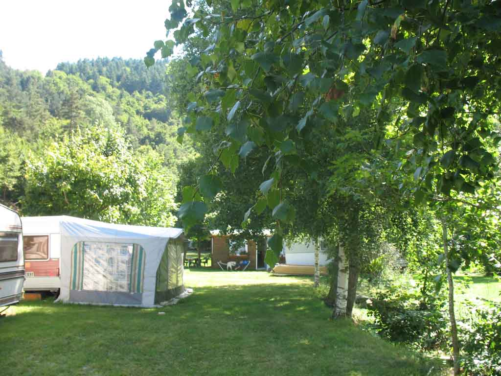 emplacement camping caravane lozere